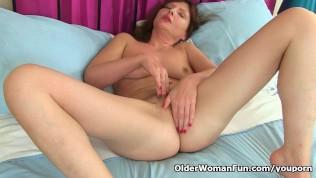 German Milf Kristine Von Saar Finger Fucks Her Hairy Pussy PornZek.Com